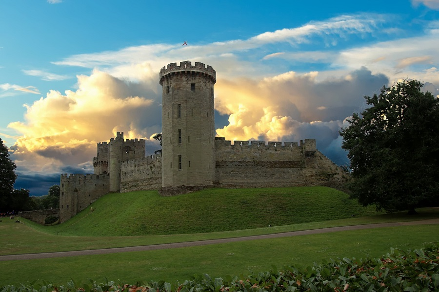 The huge and impressive Warwick castle is only a short distance from Leamington Spa making it a great thing to do in the area.