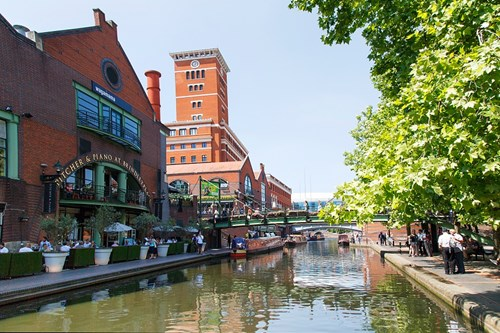 Walking along the canals in Birmingham is a great date idea.